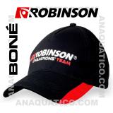 ROBINSON BONÉ COR PRETO / VERMELHO
